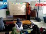 duta-pendidikan-kalsel-duta-baca-banjarbaru-ferdy-suryawijaya-bahasa-inggris-kepada-pelajar.jpg