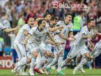 ekspresi-para-pemain-rusia-saat-mengalahkan-spanyol_20180706_070741.jpg