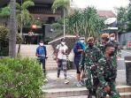 evakuasi-dilakukan-terhadap-wn-india-yang-menginap-di-hotel-di-menteng-jakarta-pusat.jpg