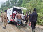 evakuasi-korban-tambang-batu-bara-ke-rsud-dr-h-andi-abdurrahman-noor-di-batulicin-01022021.jpg