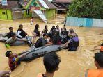 evakuasi-warga-terdampak-banjir-di-kota-barabai.jpg
