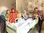 fairuz-a-rafiq-sakit-bersama-keluarganya.jpg