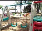 fasilitas-bermain-anak-anak-juga-tersedia-di-jorong-beach-galam-di-lingkungan-kantor.jpg