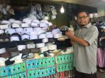 firdaus-pedagang-kopiah-di-pasar-sudimampir_20180430_171602.jpg