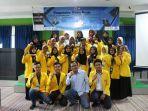 foto-bersama-mahasiswa-fmipa-ulm-usai-acara-pengenalan-dunia-kerja.jpg