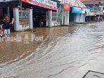 genangan-di-ruas-jalan-p-abdurrahman-pesayangan-martapura-kabupaten-banjar-kalsel-21122020.jpg