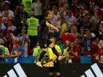 gol-ivan-rakitic-membawa-kroasia-unggul-terhadap-rusia_20180708_045902.jpg