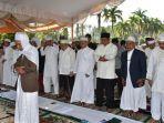 gubernur-kalsel-h-sahbirin-shalat-ied-di-masjid-raya-sabilal-muhtadin.jpg