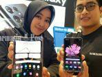 handphone-layar-lipat-di-samsung-store-q-mall-banjarbaru-kalsel-senin-21062021.jpg