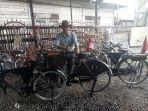 hm-zalfi-hb-dan-sepeda-antiknya_20180802_092505.jpg