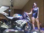 hp4-race-yang-diperkenalkan-bmw-motorrad_20180420_095726.jpg
