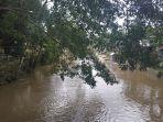 ilustrasi-bantaran-sungai-barabai-kabupaten-hst-kalsel-13012021.jpg