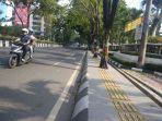 ini-trotoar-yang-ada-di-jalan-lambung-mangkurat-banjarmasin_20180822_095937.jpg