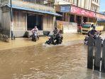 jalan-desa-terendam-di-kecamatan-mentaya-hulu-kabupaten-kotim-kalteng-23112020.jpg