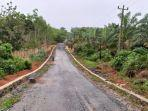 jalan-poros-sukaramah-batumulya-kabupaten-tala-kalsel-telah-kering-sabtu-11092021.jpg
