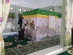 jemaah-akan-memadati-makam-syekh-muhammad-nafis-di-desa-binturu-tabalong-kalsel-5112020.jpg