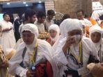 jemaah-haji-indonesia-saat-tiba-di-makkah_20180826_221716.jpg