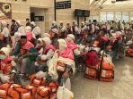 jemaah-haji-indonesia-tiba-di-bandara-king-abdul-aziz-madinah_20170801_140252.jpg