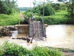 jembatan-ambruk-di-dusun-batuharang-desa-mentewe-kecamatan-mentewe-kabupaten-tanahbumbu.jpg