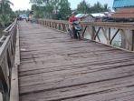 jembatan-petir-di-perbatasan-desa-kurau-utara-kecamatan-bumi-makmur2.jpg