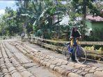 jembatan-rusak-desa-banjang-kecamatan-banjang-kabupaten-hsu-kalsel-minggu-30052021.jpg