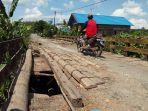 jembatan-vital-di-desa-tanahabang-yang-kian-reot-dan-compang-camping.jpg