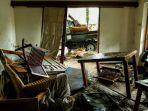 kamar-villa-rusak-akibat-tsunami-selat-sunda.jpg