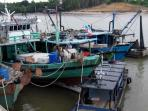 kapal-nelayan-filipina-dan-malaysia_20161005_223142.jpg