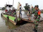 kapal-ponton-penyeberangan-di-sungai-puting_20180702_085312.jpg