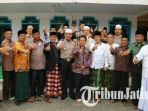 kapolres-bangkalan-akbp-anissullah-m-ridha-bersama-para-kepala-desa-se-kecamatan-blega_20170513_070934.jpg
