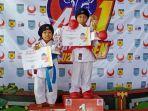 karateka-balangan-aisha-rahmadhina-kiri-naik-podium-di-kejuaraan-karate.jpg