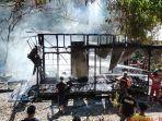 kebakaran-di-desa-sarang-halang-rt-1-kabupaten-hss-kalsel-selasa-04052021.jpg