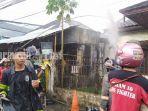 kebakaran-di-jalan-dahlia-raya-kelurahan-mawar-banjarmasin-senin-26042021.jpg