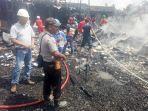 kebakaran-di-komplek-pasar-bakau-kecamatan-pamukan-utara-kabupaten-kotabaru.jpg