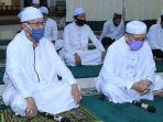 kegiatan-takbiran-di-malam-menyambut-idul-fitri-1441-hijriah-di-pendopo.jpg