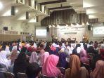 kegiatan-tentang-ekonomi-syariah-dalam-bentuk-seminar-nasional-di-palangkaraya.jpg