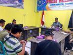 kepala-bnn-kabupaten-tabalong-akbp-husni-thamrin-saat-menyampaikan-press-release.jpg