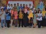 kepala-dinas-pendidikan-kabupaten-kapuas-h-suwarno-muriyat-saat-berfoto-b.jpg