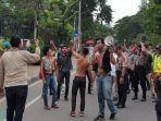 kericuhan-pun-sempat-mewarnai-aksi-unjuk-rasa-mahasiswa.jpg