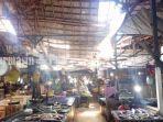 kerusakan-atap-cukup-parah-di-los-ikan-pasar-kemakmuran-kabupaten-kotabaru-kalsel-27022021.jpg