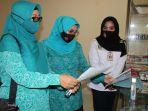 ketua-tp-pkk-kabupaten-banjar-hj-raudhatul-wardiyah-meninjau-kesiapan-lomba-up2k.jpg