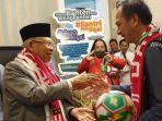 kh-maruf-amin-kedatangan-tamu-dari-kelompok-suporter-klub-sepakbola.jpg