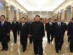 kim-jong-un-pemimpin-tertinggi-korea-utara-tampak-menghadiri-peringatan-kematian.jpg