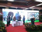 klhk-terima-hasil-tanaman-rehabilitasi-das-dengan-pt-adaro-indonesia.jpg