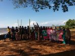 komunitas-pendamai-banua-ceria-berpose-bersama_20171206_201833.jpg