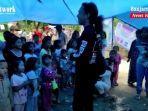 komunitas-tanjung-street-crew-temui-anak-anak-korban-banjir-bandang-di-kabupaten-hst-14022021.jpg