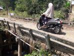 kondisi-jembatan-jalan-melati-bitahan-tapin_20181010_161541.jpg