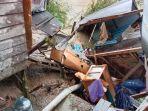 kondisi-kerusakan-rumah-yang-terdampak-longsor-sungai-di-desa-masintan-kecamatan-kelua-tabalong.jpg