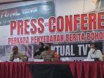 konferensi-pers-penangkapan-pemilik-akun-aktual-tv.jpg