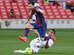 lionel-messi-casemiro-barcelona-vs-real-madrid-el-clasico-liga-spanyol-oke.jpg